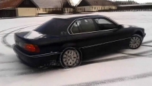 BMW 728 Drift snow