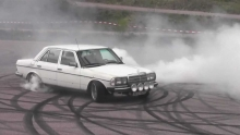 Mercedes Turbo Diesel W123 Burnout