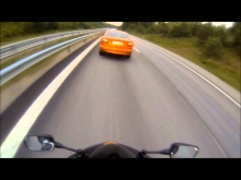 Volvo (677hp) vs CBR 1000 -07 (180hp)
