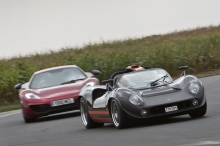 Lola T70 replica vs McLaren MP4-12C