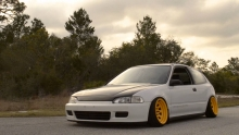The Navarro Bros. Stanced Civic EG