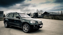 BMW E70 X5 4.8is - REVIEW, SOUNDCHECK AND ACCELERATION!